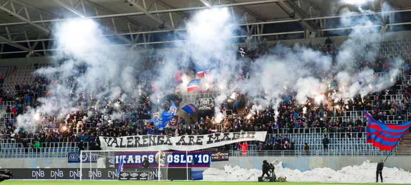 Klanen i forkant av Eliteseriekampen i fotball mellom Vålerenga og Odd i 2018 (2-1) på Intility Arena søndag kveld.Foto: Fredrik Hagen / NTB scanpix