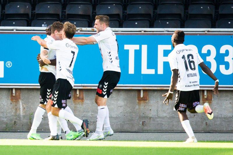 Oddjubel i eliteseriekampen i fotball mellom Odd og Viking på Skagerak arena.Foto: Trond Reidar Teigen / NTB